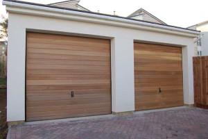 usa-garaj-imitatie-lemn